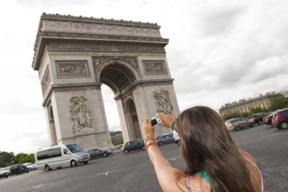 Foto vor dem Arc de Triomphe