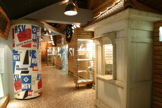 HSV- Litfasssäule im HSV-Museum