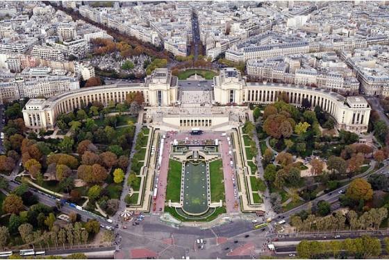 Blick von oben auf das Musee des Monumentes francais