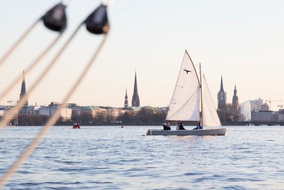 Ansegeln auf der Außenalster Hamburg City Sailing