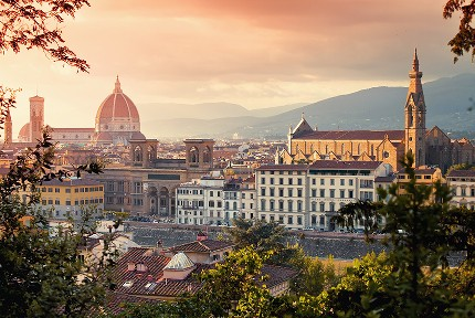 1531919143_Walking-Tour-Florenz-view-point-carousel©shutterstock.jpg